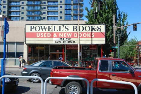 powells books portland oregon